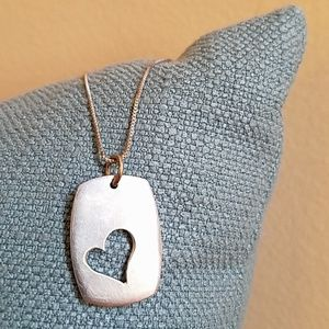 VINTAGE *Sweet Cut Out Silver Heart* Necklace